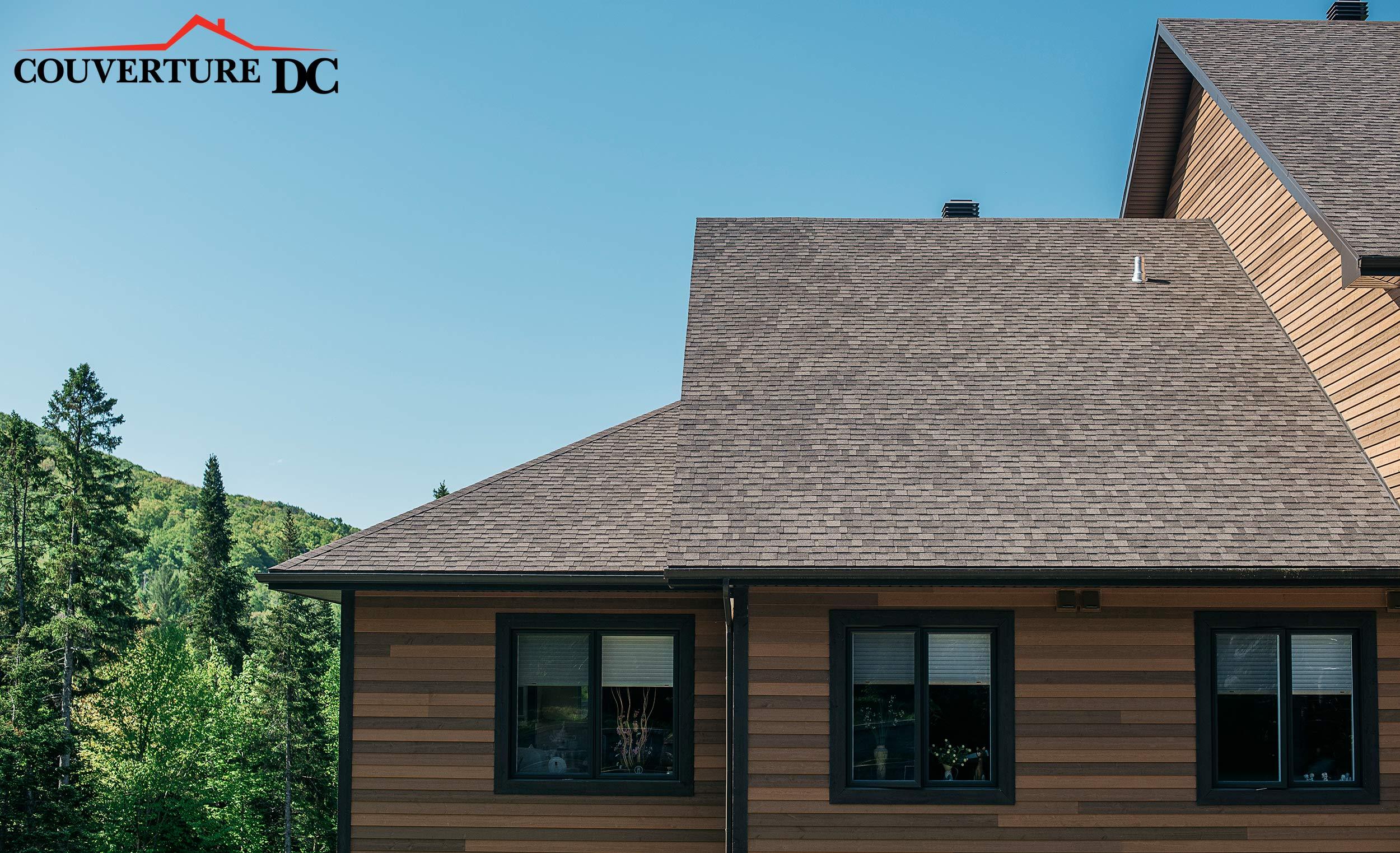 toiture en bardeau et maison moderne