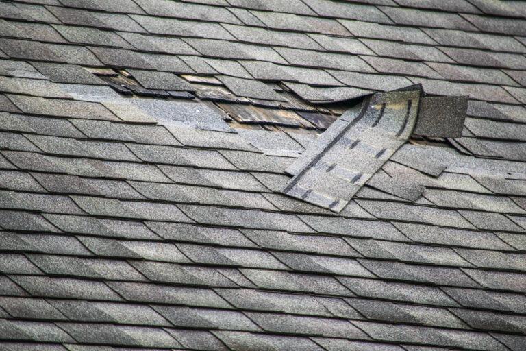 réparer une toiture en bardeau
